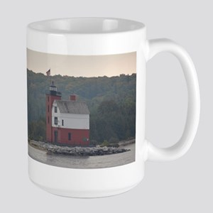 Round Island Lighthouse Mug Mugs